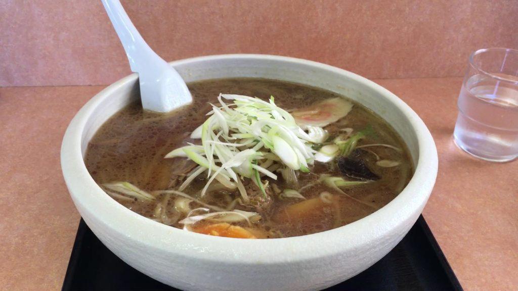 隆運麺(りゅううんめん)醤油味 750円(税込)